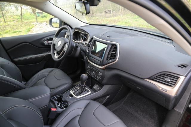 最廉价合资SUV,霸气碾压CRV,如今低至14万配9AT,要啥途观