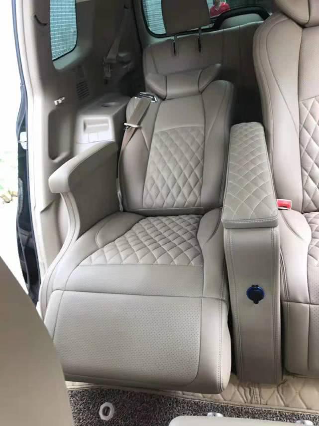 丰田汉兰达改装航空座椅,七座豪华中排商务座,便捷装备如此舒适