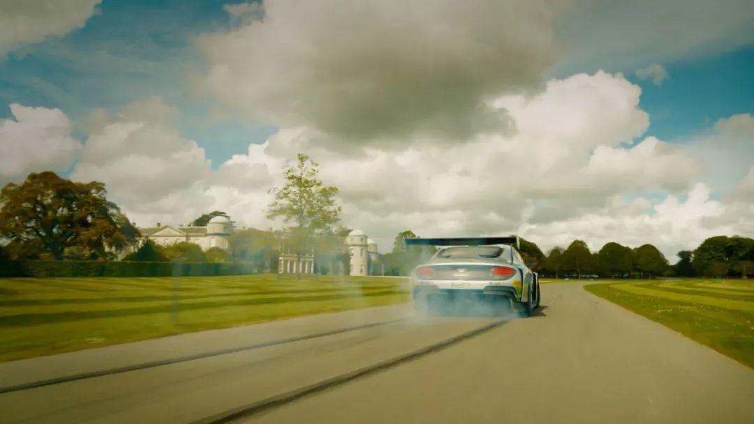 要么亲自驾驶,要么自动驾驶?宾利发布庆祝100周年概念车EXP 100 GT