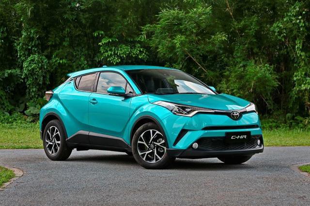 雷克萨斯UX与丰田C-HR出自同一平台,凭什么价格差一半?