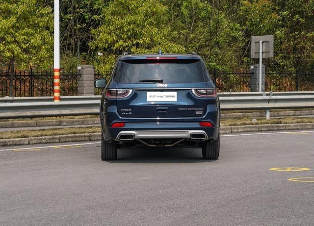 实用型7座SUV,30万提次顶配的Jeep大指挥官为什么卖不动了?