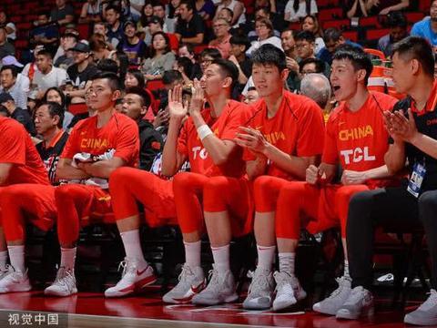 中新网透露男篮名单,周鹏无争议,可兰无望,他最可能被淘汰
