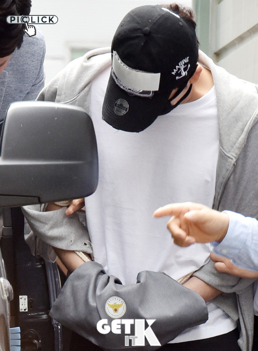"""姜志焕 """"以口罩与帽子挡住脸""""(法院出席)"""