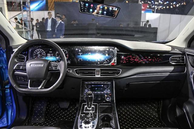 奇瑞终于亮出旗舰SUV,4.9米三种座椅布局,看内舱是路虎+奔驰?