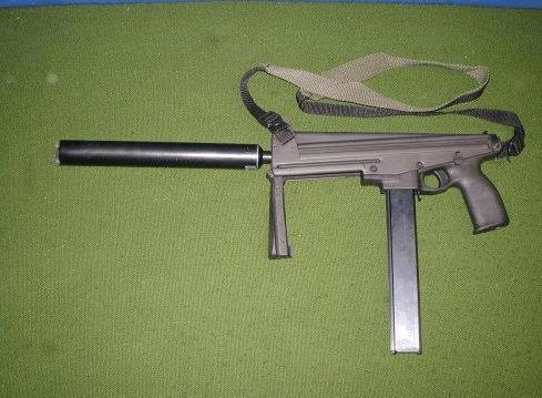 芬兰人创意设计,比斯泰尔还好用——芬兰杰迪-玛蒂克9mm冲锋枪