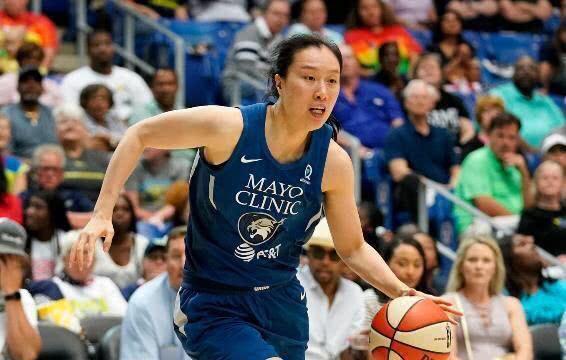 北京时间14日,wnba明尼苏达山猫队宣布签下了英国女篮中锋特米-法格