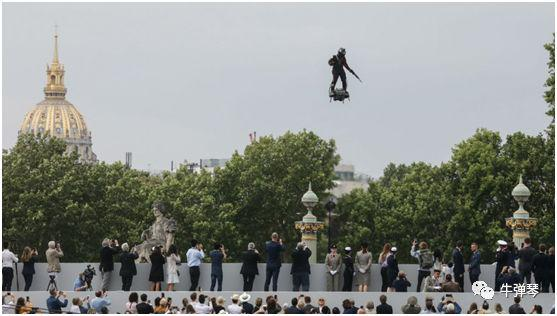 这次法国阅兵,这个最大亮点将改变我们的未来!
