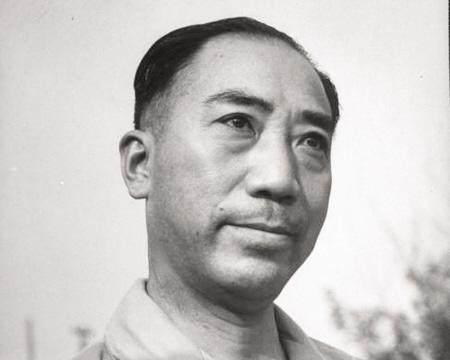 戴笠和陈诚同为蒋介石心腹,二人一直暗中较劲,他们最后结局如何