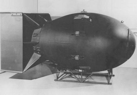 如果二战德国先制造出原子弹,结局会是如何?轴心国和同盟国休战
