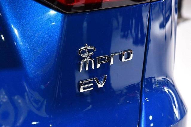 比亚迪绝地反击,靠电动卖紧凑SUV,比RAV4宽大!