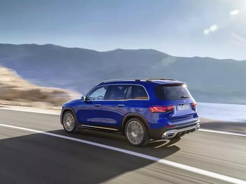 2020梅赛德斯奔驰发布GLB运动款车型,外观紧凑,空间充足