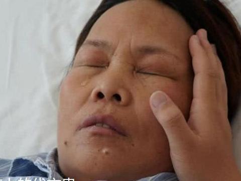 """脚底长""""鸡眼"""",割除后却引发重病,医生:这是恶性肿瘤!"""