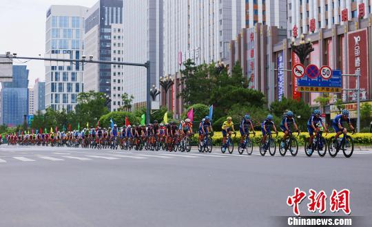 青海本土车队长时段领骑第十八届环湖赛西宁绕圈赛
