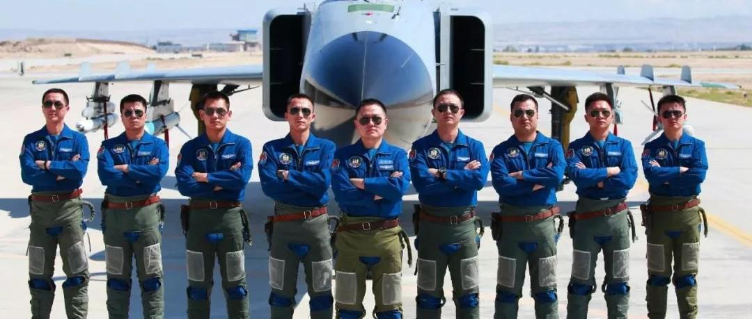 喜讯!抚州6名学子被录取为海军、空军飞行学员