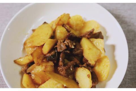 孕妇食谱:夏季炎热没食欲?试试土豆烧牛肉,酱汁浓郁,鲜香下饭