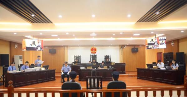 江西广电原台长杨玲玲受审:被控