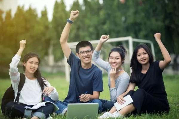 上海中考招生投档:民办高中式微,特色高中崛起
