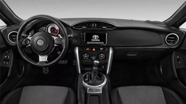 新款丰田86,车身配置全面升级,秋名山传奇能否继续?