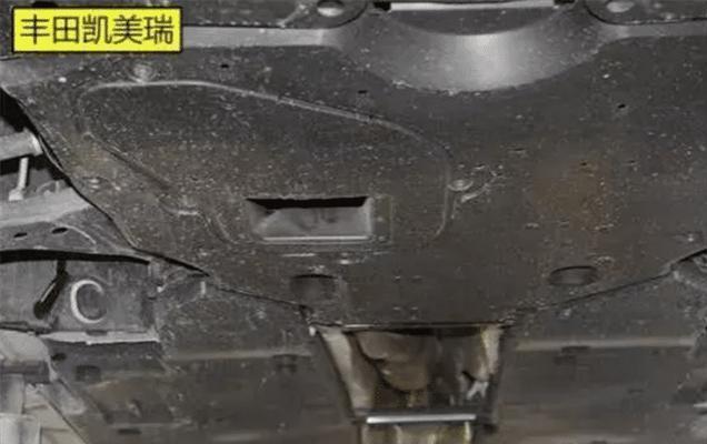丰田和日产到底多大差距?拆开天籁和凯美瑞的底盘,车主脸都绿了