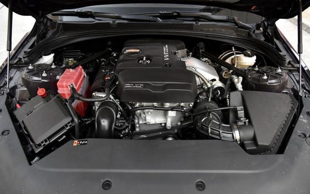 同级别的B级车,雷克萨斯ES和凯迪拉克ATS-L,你会考虑哪一款
