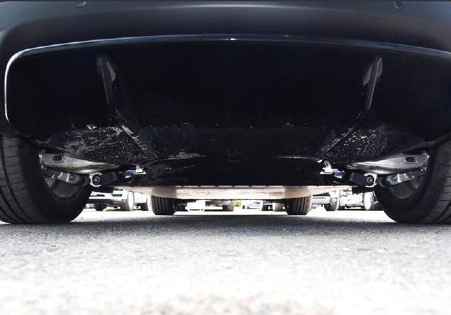 轴距2米99,续航456km零百4.8秒,豪华中型纯电SUV,降35万抛售