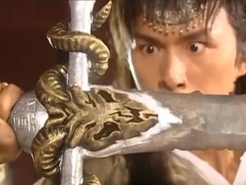 水月洞天:尹仲之血为何能融化寒铁,铸成幽冥剑?神血太霸道了