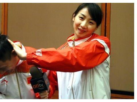 蹦床公主何雯娜,分手七年后,又遇见爱情,跑马拉松晒美照