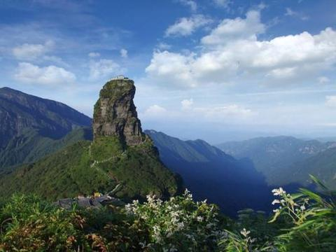 中国四大名山,去过其中两处,就会感叹祖国山川美景的雄伟美丽