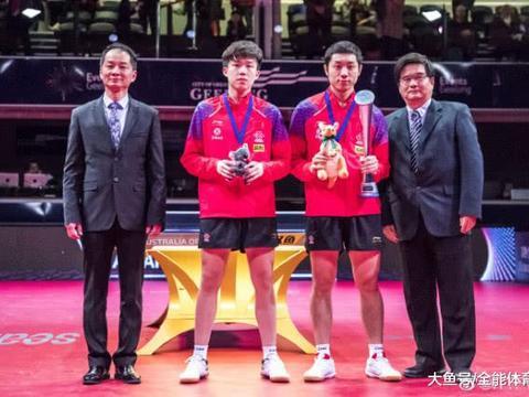 世界第一豪夺第6冠,许昕4-0横扫赢决赛,乒坛劳模连轴转太疲劳