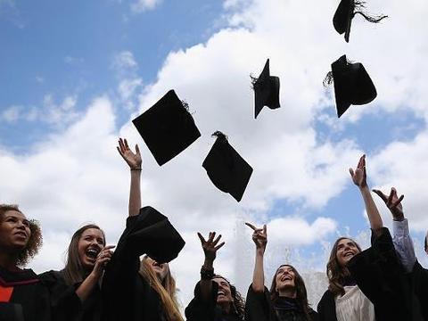 就业阶段,普通高校本科生和985高校毕业生,差距有多大