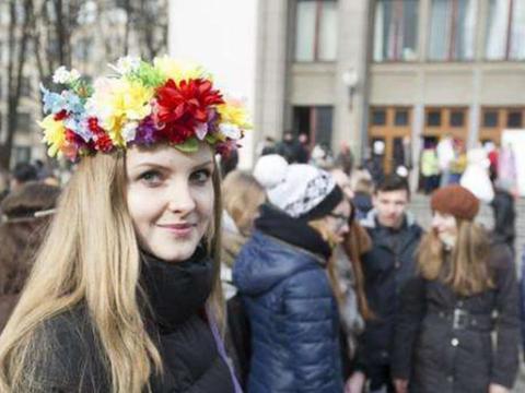 白俄罗斯对中国游客免签,此国家却急坏了,网友:你们自找的!