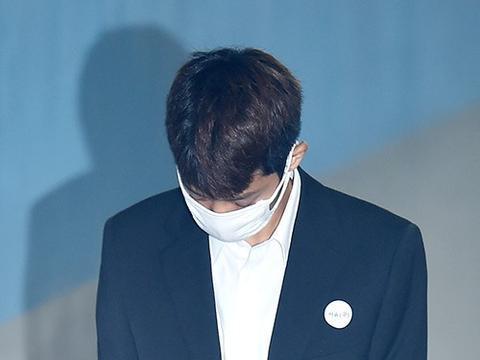 郑俊英崔钟勋否认强奸嫌疑 称双方自愿发生关系