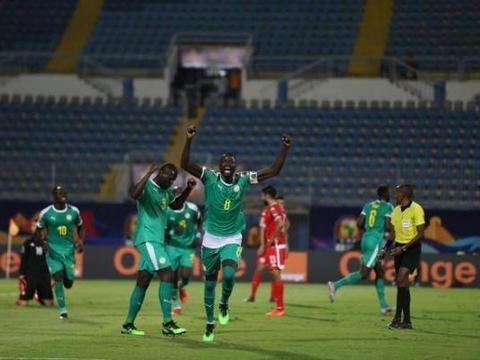 库利巴利进决赛让塞内加尔举国欢腾,停赛使我难过