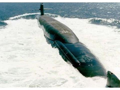 大国重器战略核潜艇与空中霸主战略轰炸机相比到底谁更胜一筹?
