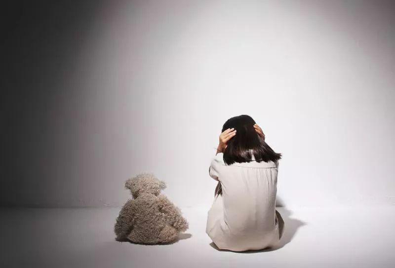 中年男子网上引诱强迫张家口女童拍不雅视频,获刑两年半!