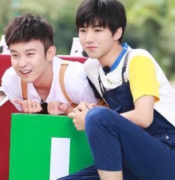 王俊凯和董子健关系是真的好!同上综艺王俊凯在他面前就是皮小孩