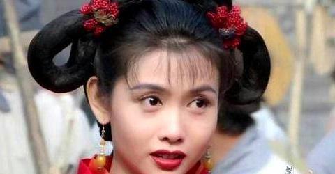 周星驰的《新喜剧之王》女主鄂靖文:一个喜剧女演员要红有多难?