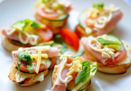 给孩子做什么早餐好?食材种类多、做得精致、吃得好是原则!