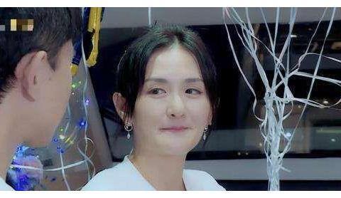 众星现身辣妈谢娜的自创品牌秀 49岁的陶晶莹担任主持人