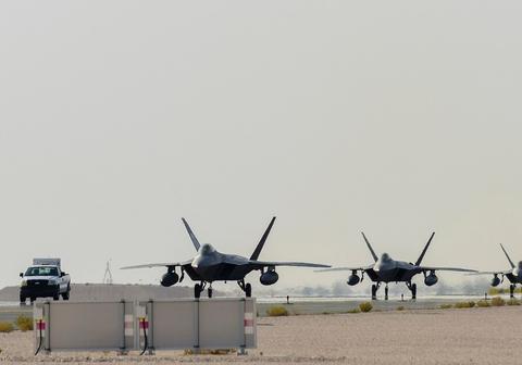 美国若军事打击伊朗,F-22将扮演什么角色?