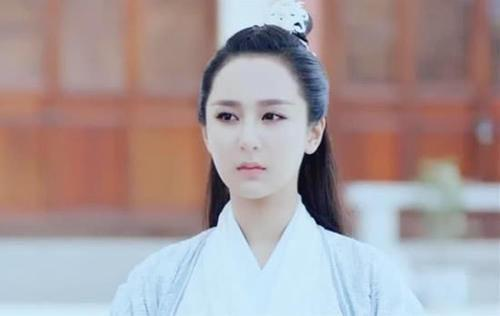 同被发型扯头皮,王丽坤最少女,刘诗诗最高贵,到杨紫:用力过猛