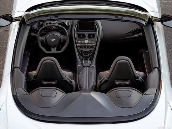 最大时速可达340km/h,阿斯顿·马丁DBS 敞篷版将上,售376.8万