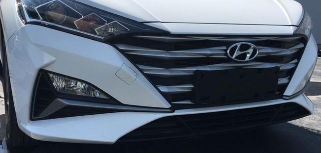 全新一代现代瑞纳实车现身!车长4405mm 轴距超丰田威驰 配1.4L