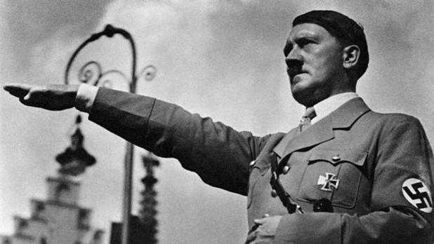 1936年,拒绝向希特勒行纳粹礼的船厂工人,最后结局如何?