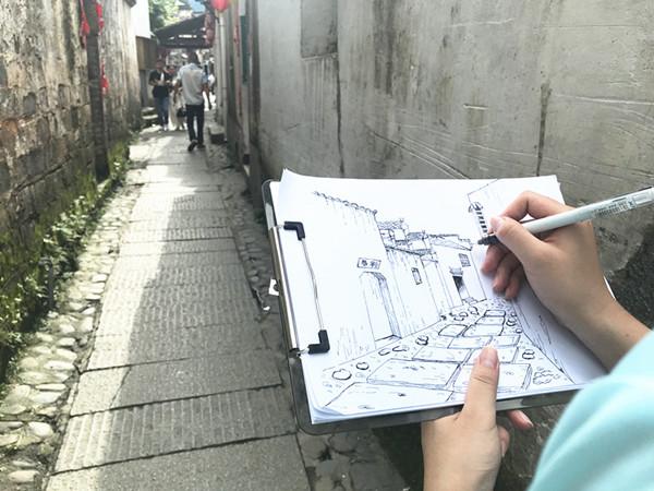 """徽州古建筑跃然纸上,一群工科生用画笔让宏村""""灵动""""起来"""