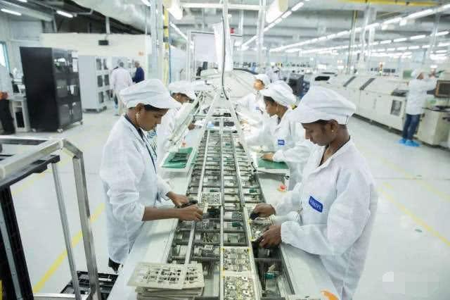 """富士康在印度建厂,结果遇到""""懒""""得清奇的印度人,发工资不上班"""