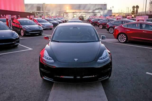 特斯拉员工自爆丑闻:Model 3偷工减料,零部件用胶带修复
