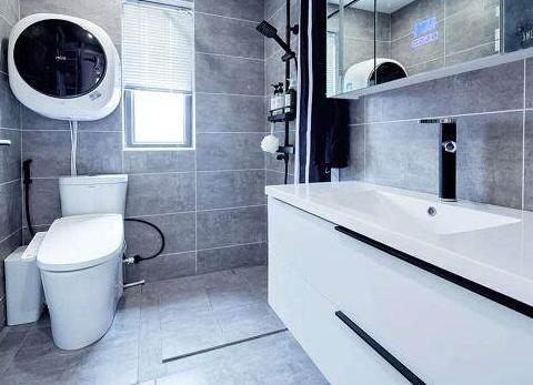 卫生间小就别装淋浴房了,这样设计更实用,而且还能省不少钱