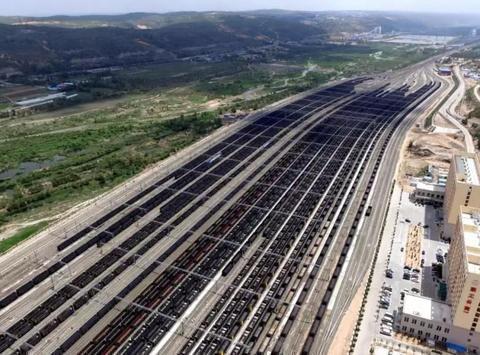 神朔铁路朱盖塔站:13亿吨