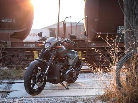 """有一种摩托车,叫做""""哈雷"""",1868cc超大排量,上演速度与激情"""